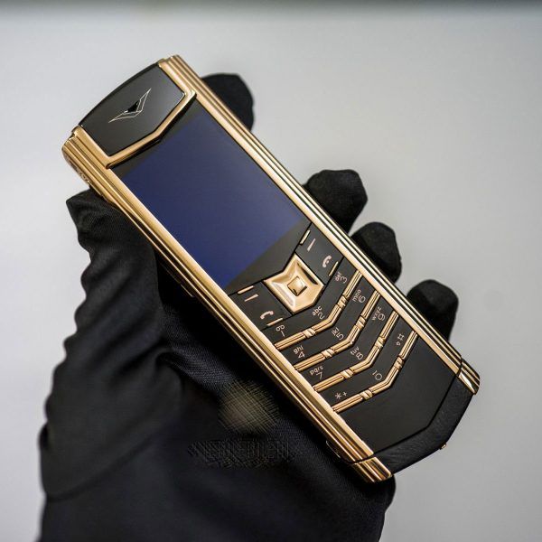vertu-signature-s-quilt-red-gold-limited-edition-moi-100-3-6
