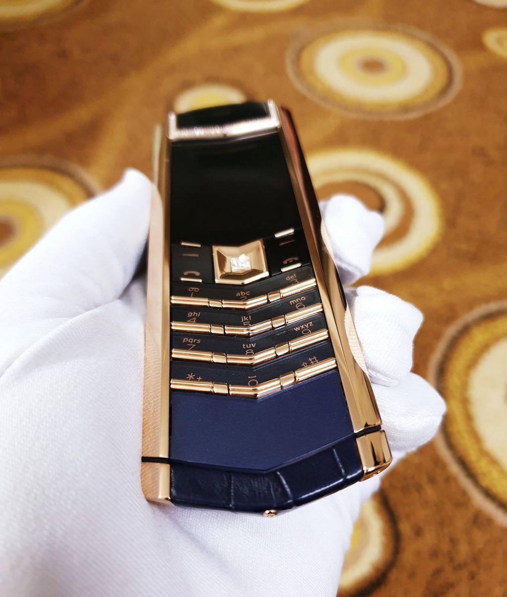 vertu-signature-s-rose-gold-diamonds-blue-alligator-6