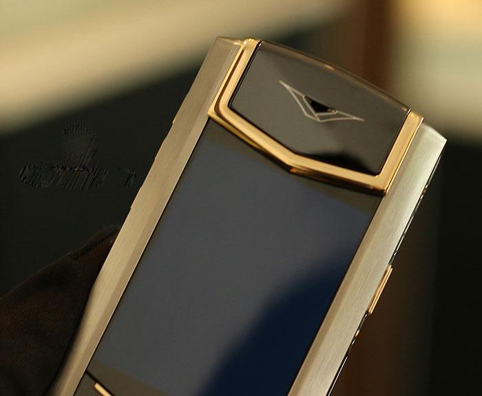vertu-signature-s-yellow-gold-mixed-metal-moi-100-1