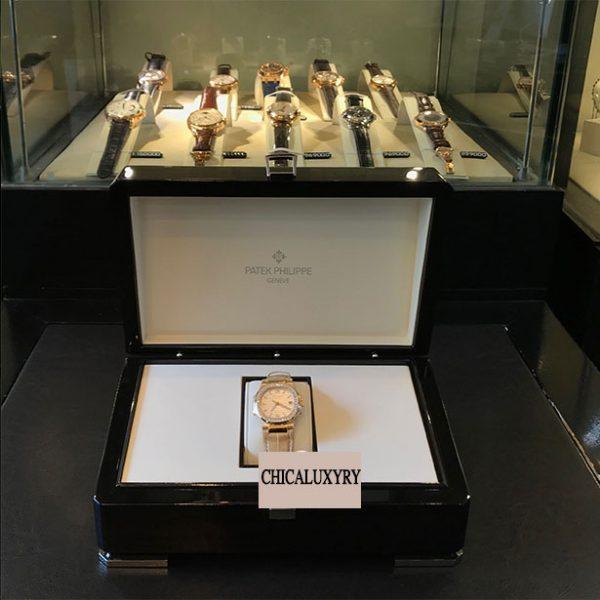 Patek-Philippe-Nautilus-Ladies-Rose-Gold-Diamond-Bezel-7010R-011-2