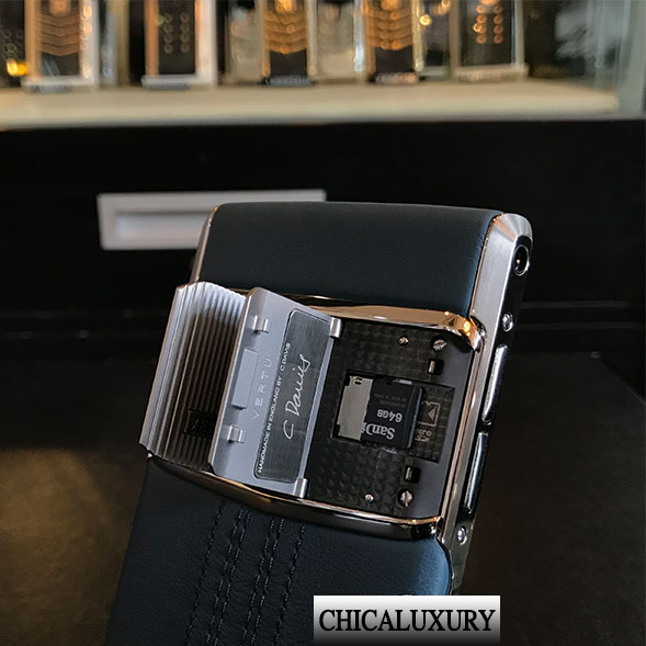 vertu-new-signature-touch-teal-fluted-2