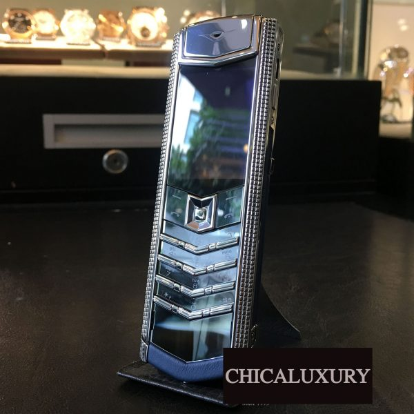 vertu-signature-s-clous-de-paris-stainless-steel-navy-calf-bespoke-2