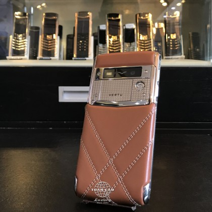 vertu-signature-touch-for-bentley-limited-edition-3